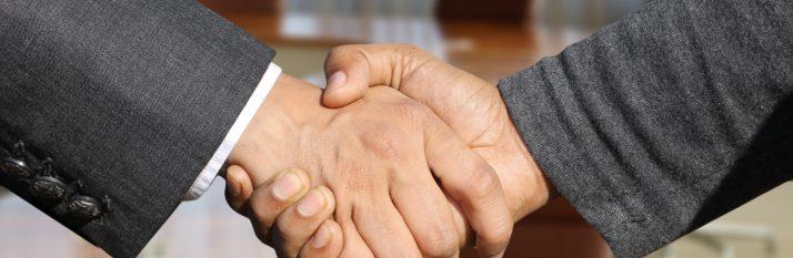 shaking-hands-3091906